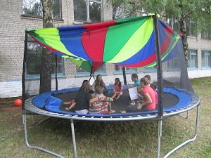 make a trampoline tent